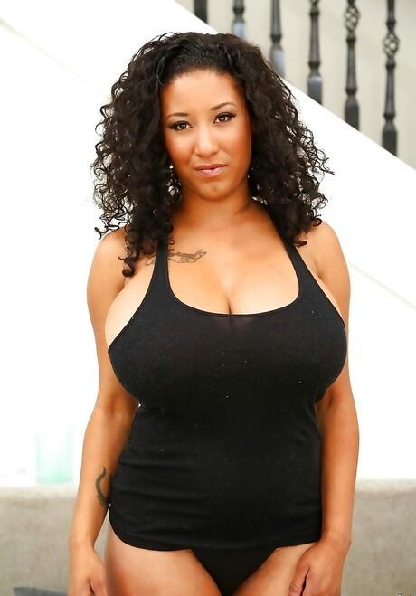 Naked curvy latina women